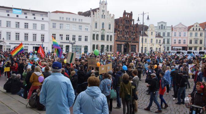 1250 Wismarer stellten sich 250 Neonazis entgegen