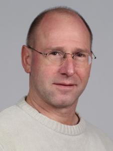 Wolfgang Krüger, 51 Jahre, Dipl.-Ing., Technologiemanager, verheiratet, 2 Kinder